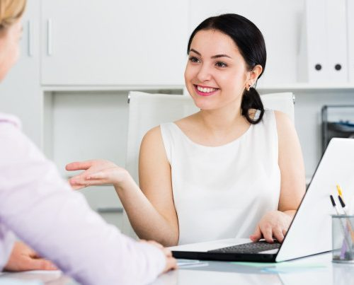 female-manager-with-client_1398-4755